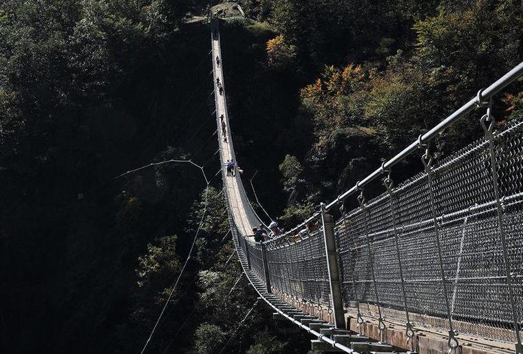 Tibetische Brücke Carasc 4.jpg