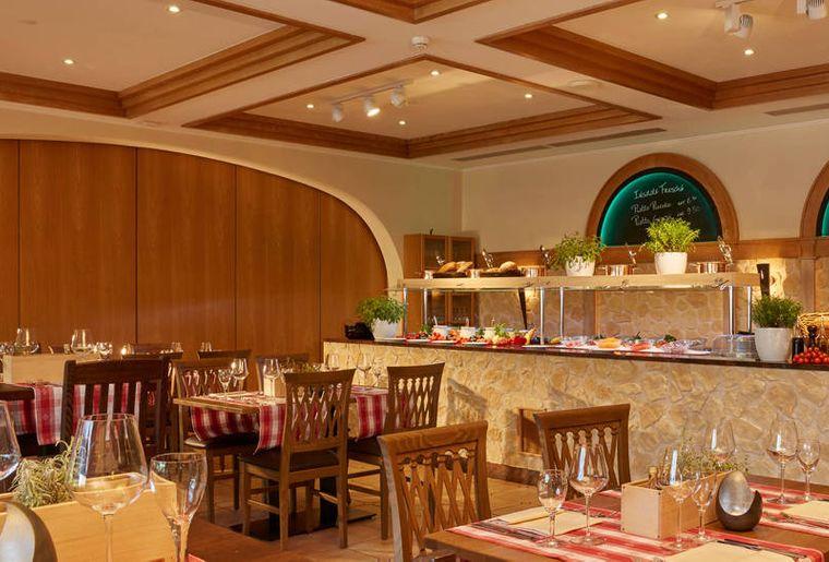 H4 Hotel Arcadia Locarno 3.jpg