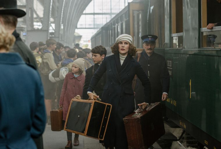 Als Hitler das Rosa Kaninchen Stahl - Szenen - ov - rev-1-GER_AHRKS_Szenenbild_0191_High_Res_JPEG.jpeg