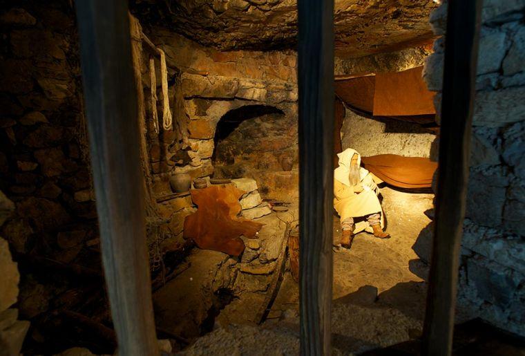 St. Beatus-Höhlen 4.jpg