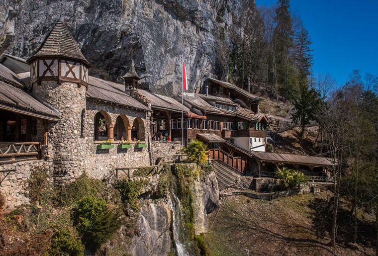 St. Beatus-Höhlen 7.jpg