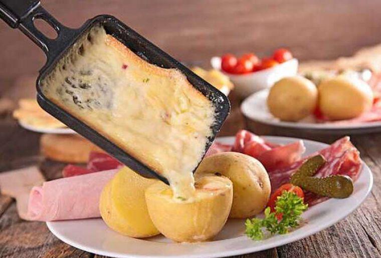 Baumwipfelpfad Raclette.jpg