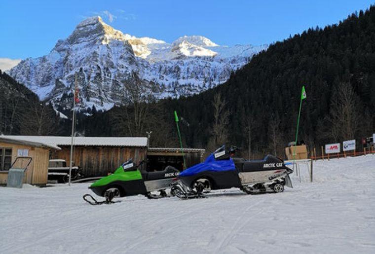 E-Snowmobile Park Lenk.jpg