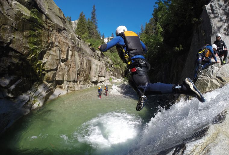 canyoning-grimsel-outdoor-interlaken.jpg