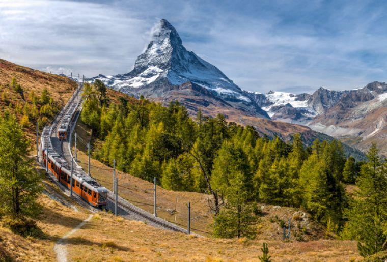 Gornergrat Bahn mit Matterhorn, Wallis.