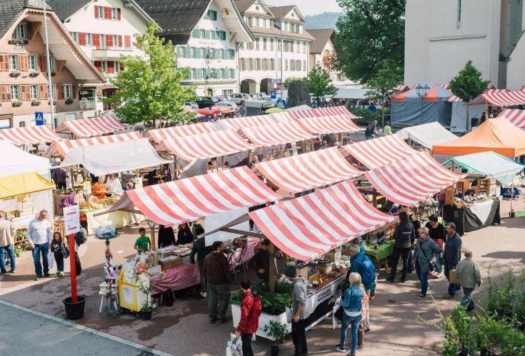 Entlebucher Kräuter- und Wildpflanzenmarkt.jpg