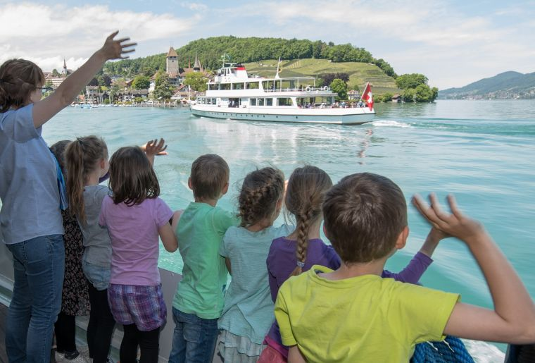 Osterschiff Thunersee Interlaken.jpg