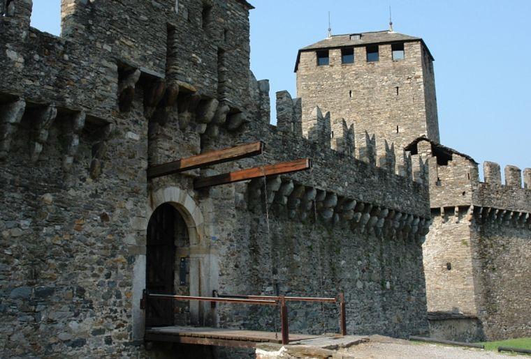 Schloss Bellinzona 3.jpg