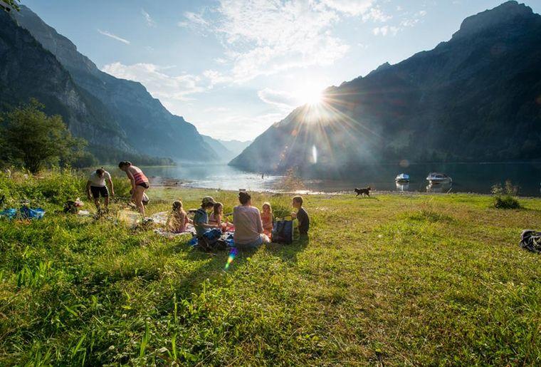 Klöntalersee in der Gemeinde Glarus KantonGlarus,Samuel Trümpy - Sommer in der Schweiz.jpg