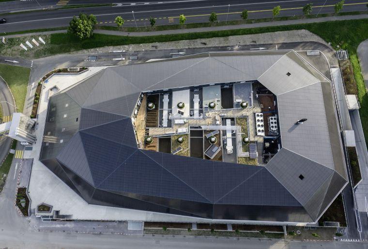 Umwelt Arena Spreitenbach_Photovoltaikanlage.jpg
