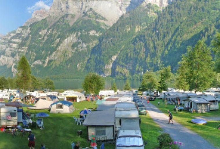 Camping Vorauen_Copyright_kloental.com Klöntal.jpg