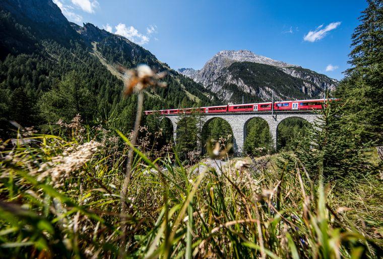 Rhätische Bahn 2 c Rhätische Bahn swiss-image.ch Andrea Badrutt.jpg