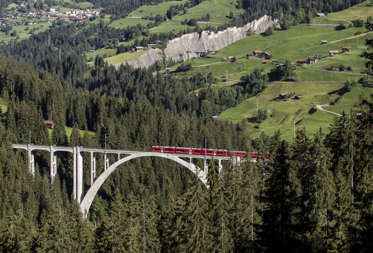 Rhätische Bahn Arosalinie c Rhätische Bahn swiss-image.ch Andrea Badrutt.jpg
