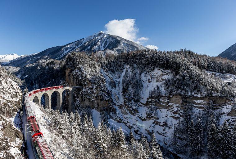 Rhätische Bahn Winter c Rhätische Bahn swiss-image.ch Andrea Badrutt.jpg