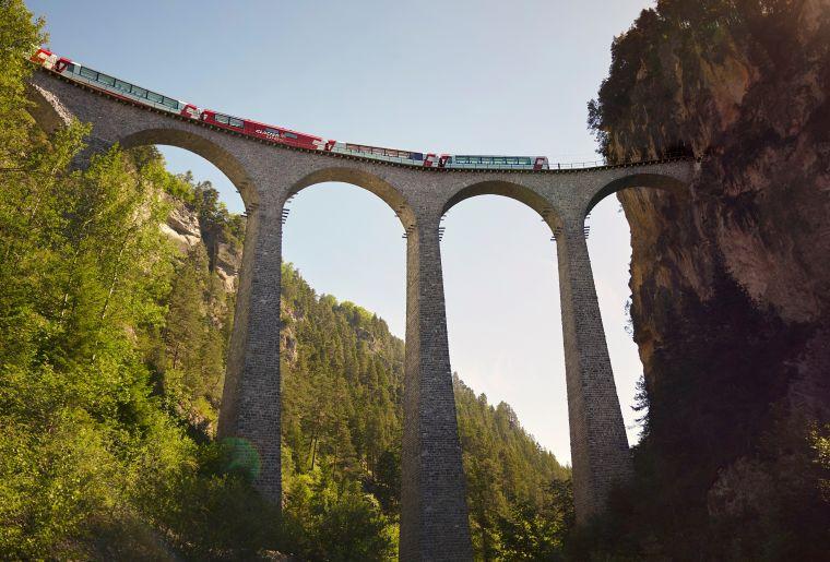 Glacier Express 3 c Rhätische Bahn swiss-image.ch Stefan Schlumpf.jpg