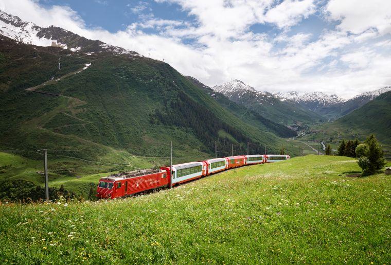 Glacier Express 2 c Rhätische Bahn swiss-image.ch Stefan Schlumpf.jpg