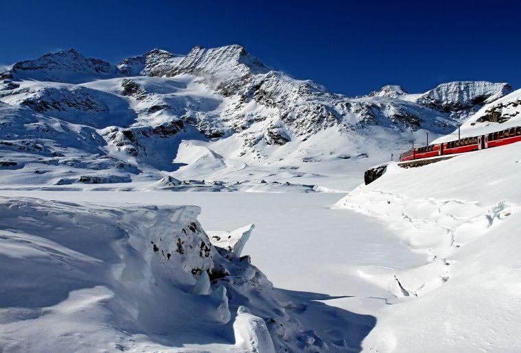 Bernina Express 2 c Rhätische Bahn swiss-image.ch Christoph Benz.jpg