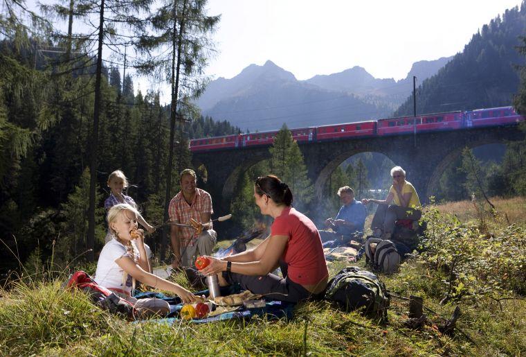 Erlebnisweg Albula 3 Rhätische Bahn swiss-image.ch Christof Sonderegger.jpg