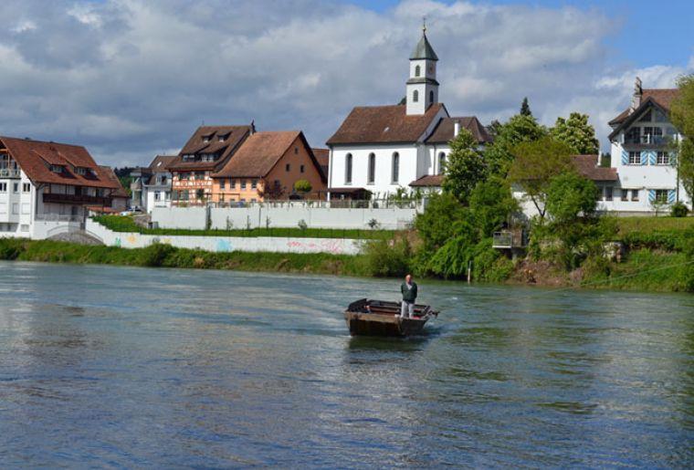 Fähre-Zurzach-Kadelburg-neu-front_800_532.jpg