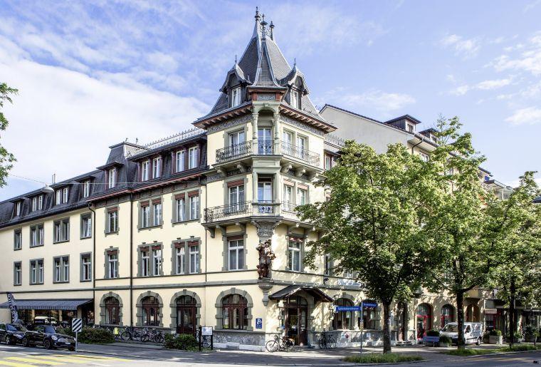 Hotel Waldhorn Fassade.jpg