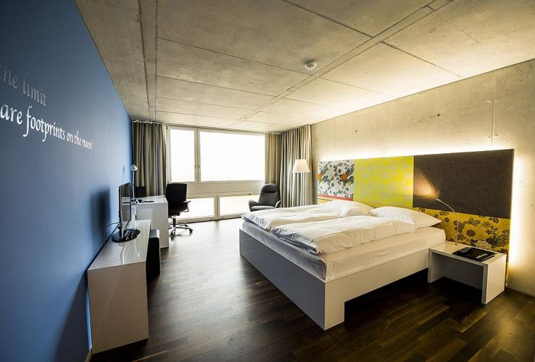 APARTHOTEL Rotkreuz Zimmer.jpg