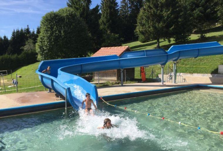 Schwimmbad Sainte-Croix 5.jpg