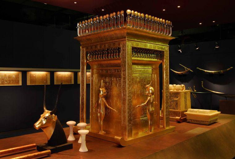 Tutanchamun Sein Grab und seine Schätze 3.jpg