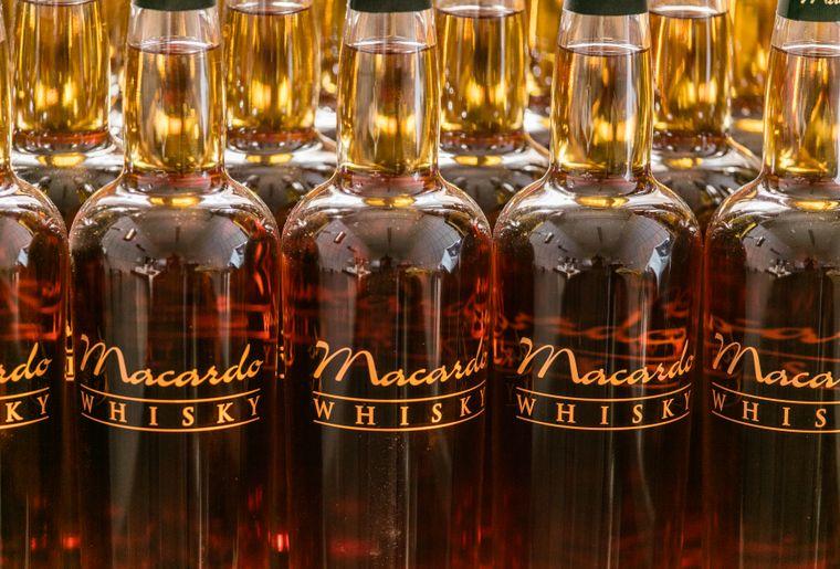 Amlikon_Bissegg_Macardo_Destillerie_Whisky_1.jpg