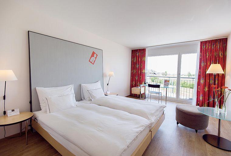 01_Hotelzimmer_Comfort-Double-Room_b_K68B4676.jpg