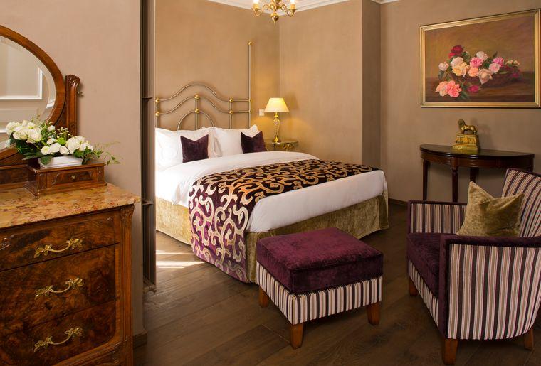 Hotel_de_la_Cigogne-3.jpg