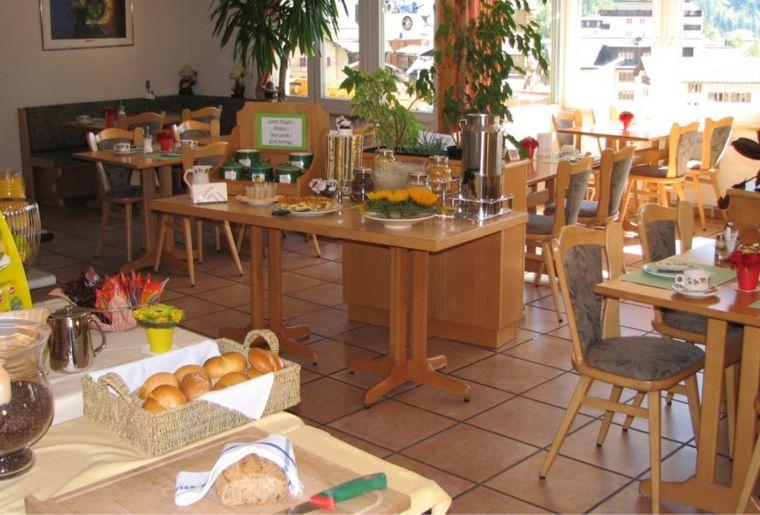 Frühstücksbüffet-breit-1030x579.jpg