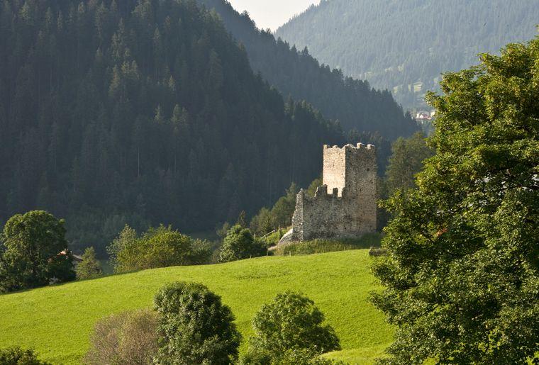 Burg_Strassberg_Malix_SL07.jpg