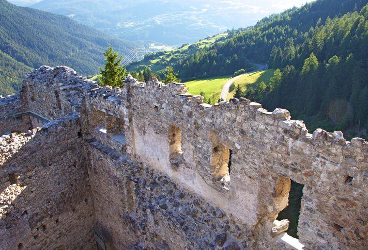 Burg_Belfort_Brienz_SL42.jpg