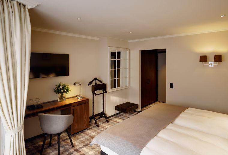 ZI-401-Doppelzimmer Business.jpg