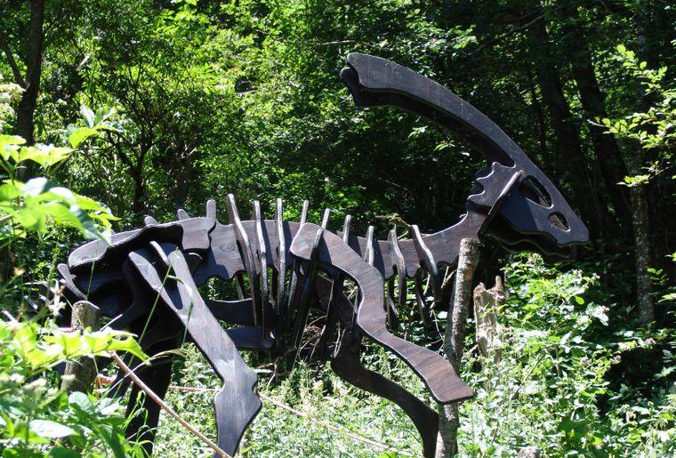Parasaurolophus - einer der 8 Holzfiguren im Sauriertrail Foto (c)myfieschertal - bart van hunskerken .jpg
