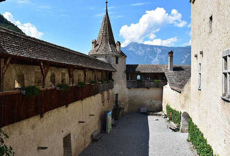 Schloss Aigle.jpg