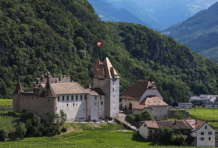 Schloss Aigle 2.jpg