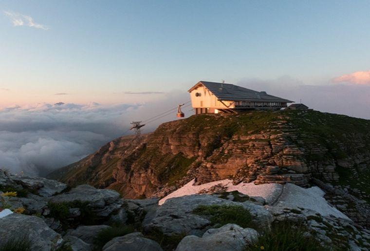 Gipfel_Abendlicht_Wolken-c7c920f3.jpg