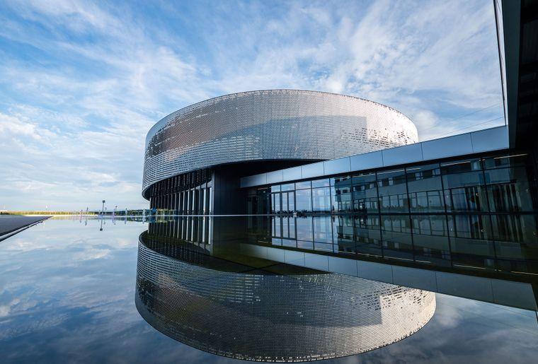 Aquatis-Aquarium-Vivarium-batiment-exterieur-jour-©nuno-acacio-RVB.jpg