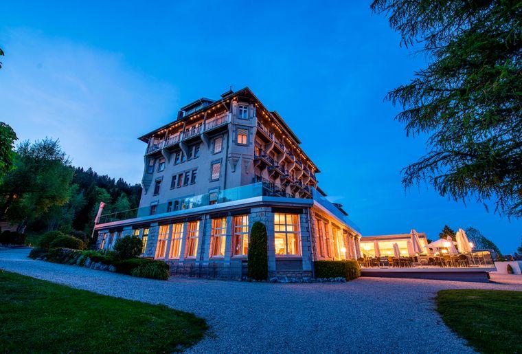 Grand-Hotel-des-Rasses-batiment-nuit©nuno-acacio-RVB[1].jpg
