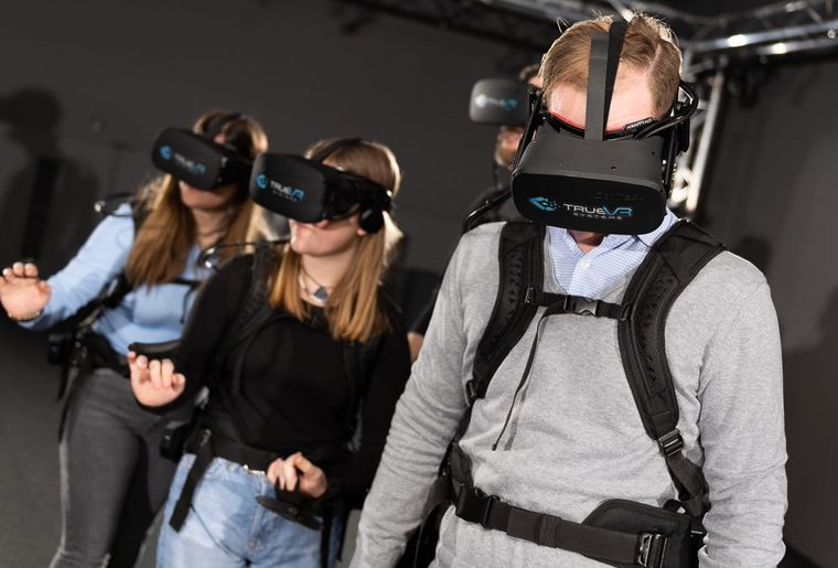 virtualreality2.jpg