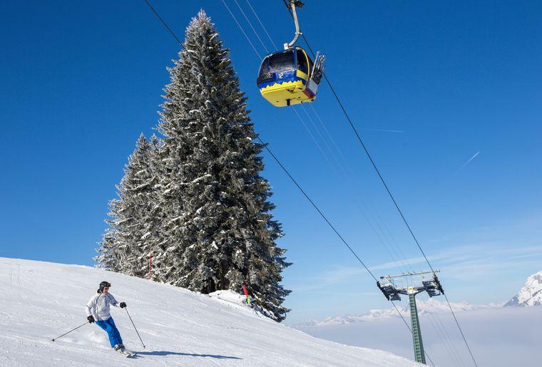 Gondelbahn Skifahrer Turneri.jpg