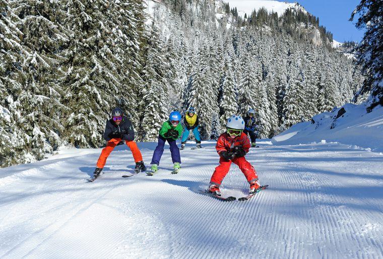 Ski_Braunwald_Familie_Tannen_MAY1160.jpg