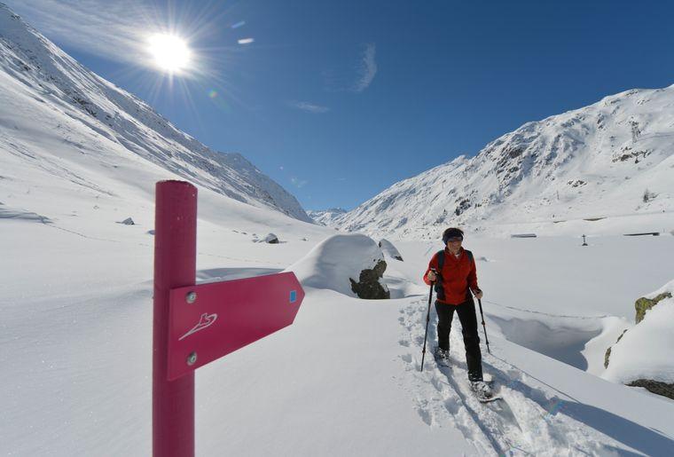 Schneeschuhlaufen Urserntal-6.JPG