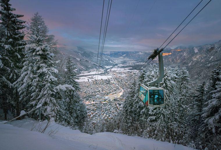 bergbahnen_brambruesch_stadtblick-winter_remo-demont.JPG