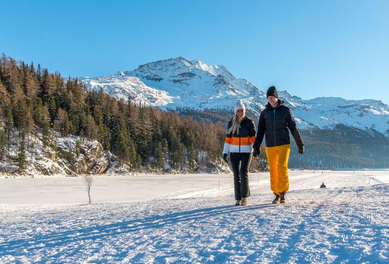 Winterwandern 2 c Engadin St. Moritz Tourismus Foto Salis Romano.jpg