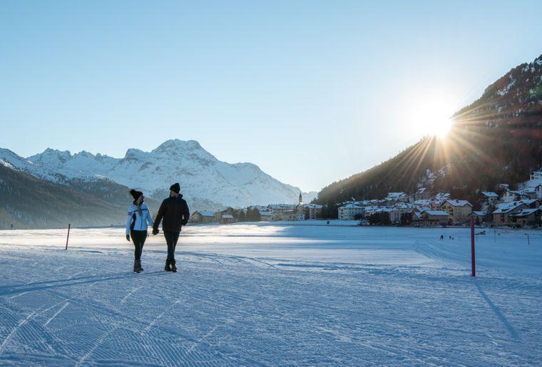 Winterwandern 3 c Engadin St. Moritz Tourismus Foto Romano Salis.jpg