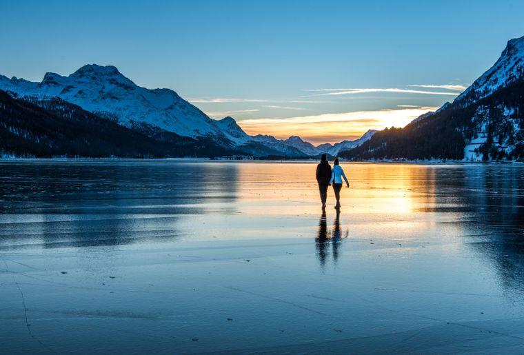 Winterwandern 4 c Engadin St. Moritz Tourismus Foto Romano Salis.jpg