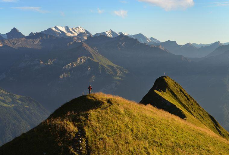 Blick in die Berner Alpen zur Bluemlisalpgruppe.jpg