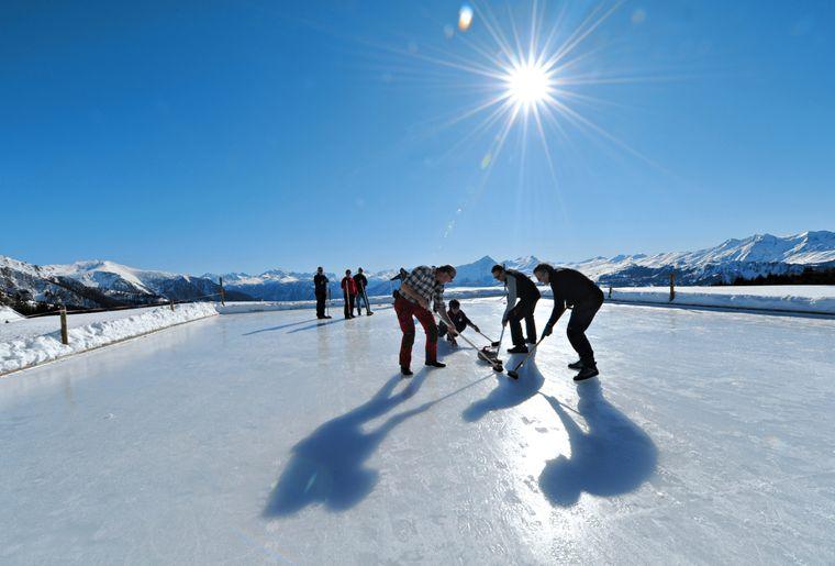 Curling auf der Alp Raguta